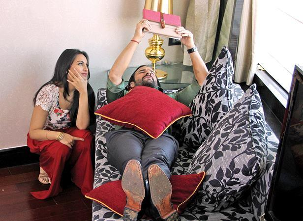 Saif And Sonakshi Cool Look On The Sets Of Bullet Raja