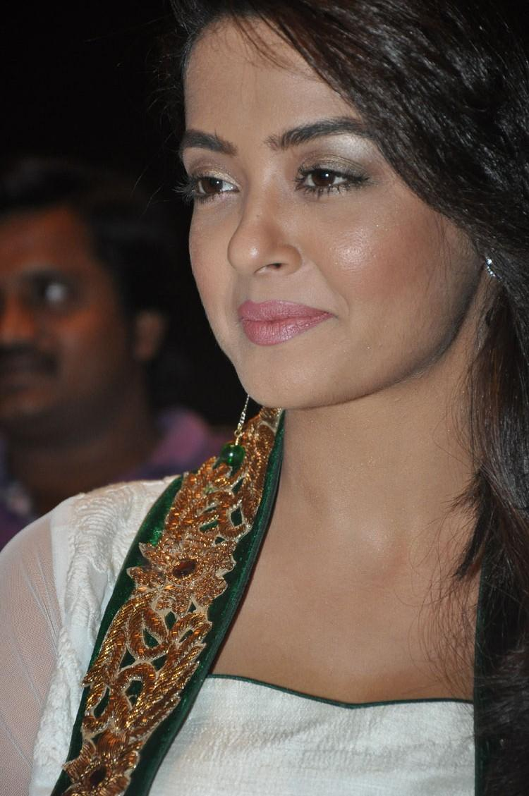 Surveen Chawla Charming Face Look At Jai Hind 2 Movie Press Meet