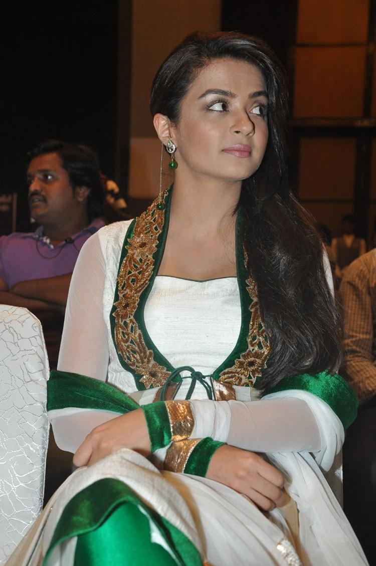 Surveen Chawla Hot Look During The Jai Hind 2 Movie Press Meet Event