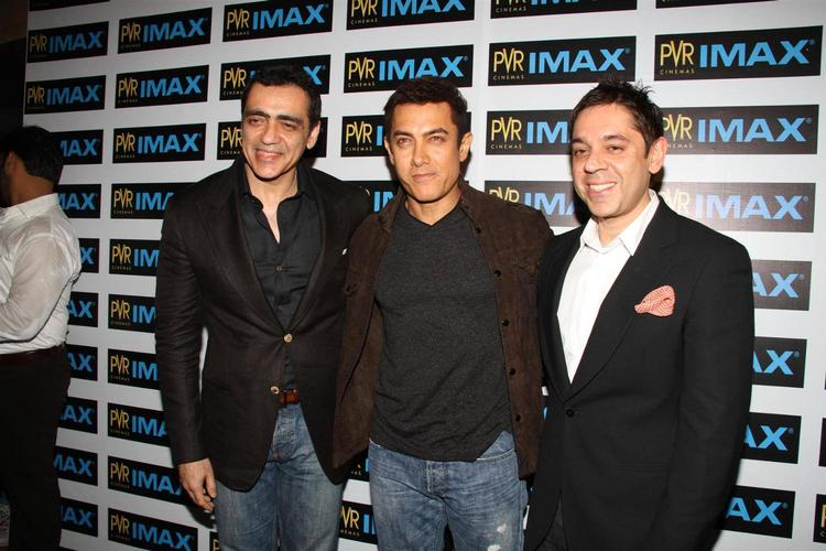 Aamir Khan Pose For Photo Shoot At Inauguration Of  New IMAX Theatre