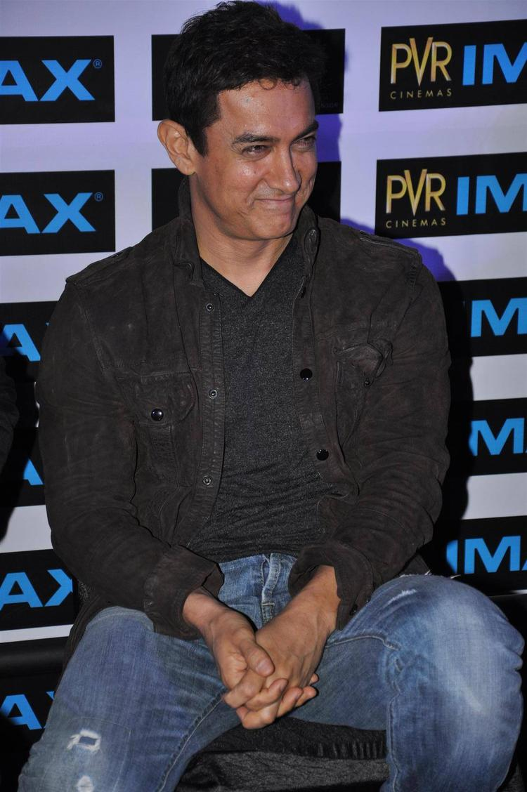 Aamir Khan Smiling Pic During The Inauguration Of  New IMAX Theatre