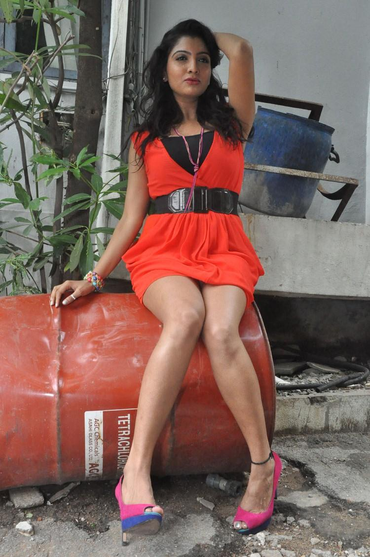 Madhuri Itagi Hot Sizzling Still During The Event Of Overdose Movie Opening