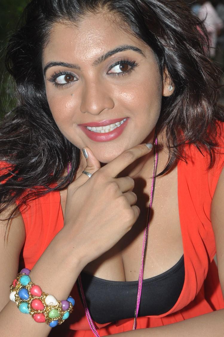 Sizzling Madhuri Itagi Cute Pose At  Overdose Movie Opening Event