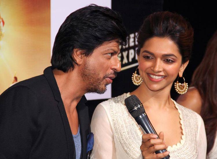 Shahrukh And Deepika At Chennai Express Trailer Launch Event