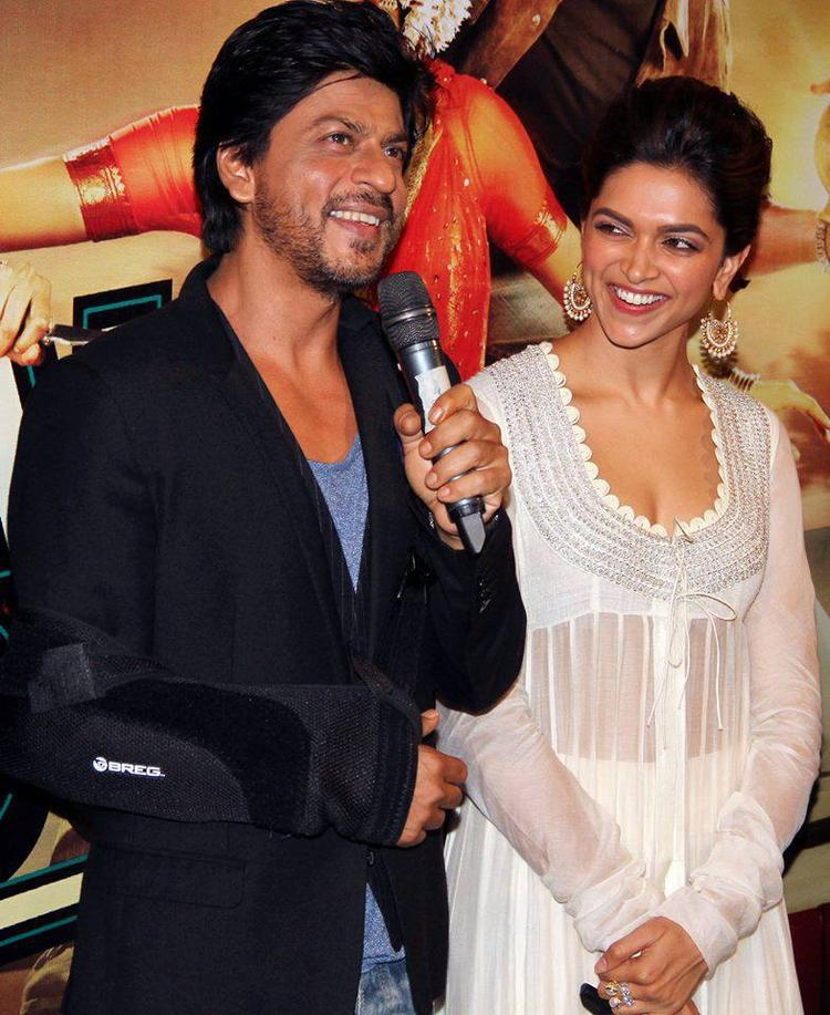 Shahrukh And Deepika Graced During The Chennai Express Trailer Launch