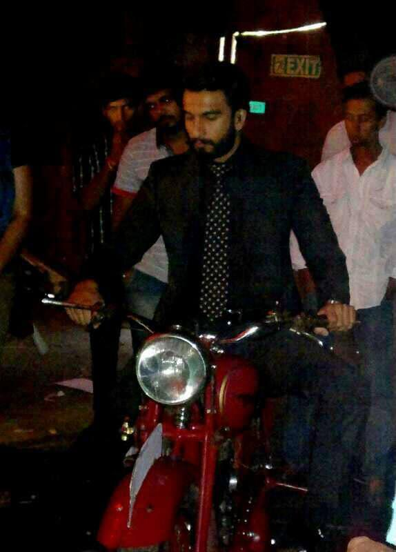 Ranveer Singh Arrives On The Sets Of On Master Chef India Season 3 Grand Finale For Promoting Lootera Movie