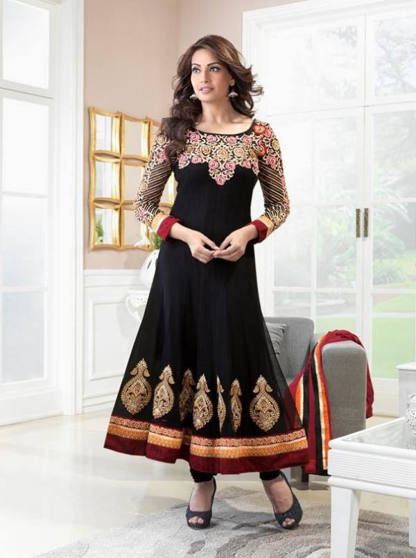 Bipasha Basu Sexy Pose Photo Shoot In Black Anarkali