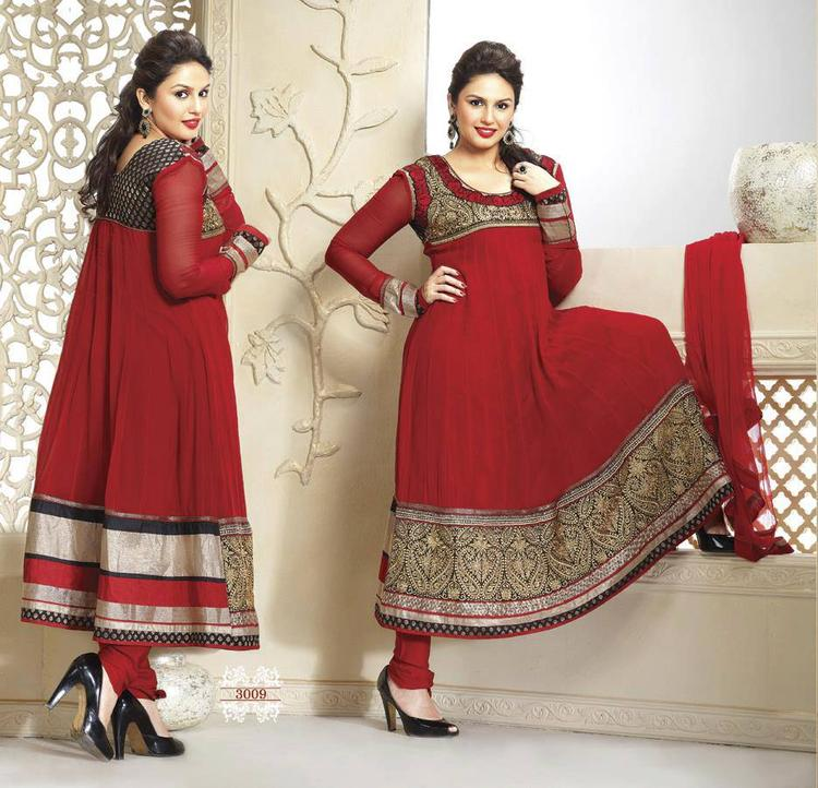 Huma Qureshi Looking So Beautiful In Red Color Anarkali