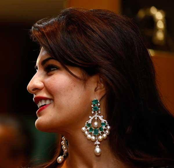 Gorgeous Beauty Jacqueline Fernandez Launches Colombo Jewellers' New Collection