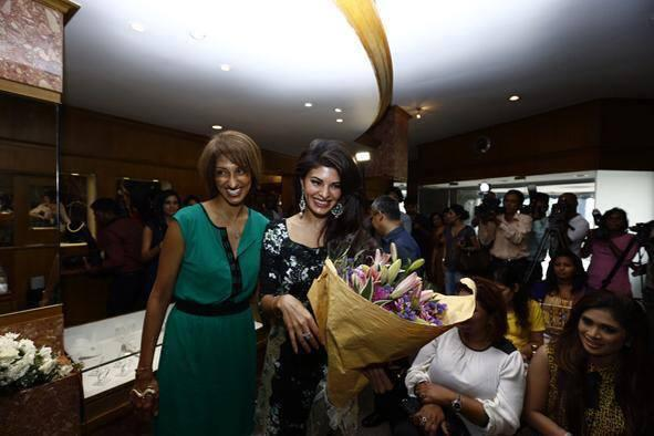 Jacqueline Fernandez Enter Pic In Colombo Jewellery Store For Jewellery Launch