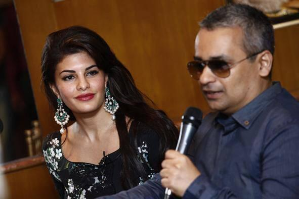 Jacqueline Fernandez Nice Look At New CJS Jewellery Collections