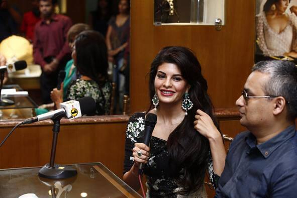 Jacqueline Smiling Face Look Still During The Launch Of Colombo Jewellers' New Collection