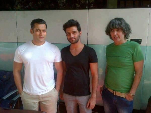 Salman Khan Nice Look On Sets Of Mental In Goa