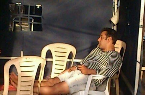 Salman Khan In Relaxing Mood On Sets Of Mental In Goa