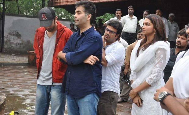 Bollywood Stars Came In Full Attendance To Pay Their Last Respects To Priyanka Chopra's Father Dr Ashok Chopra