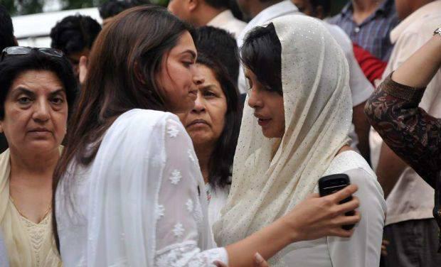 Deepika Padukone Consoles Priyanka Chopra At Her Father's Last Rites