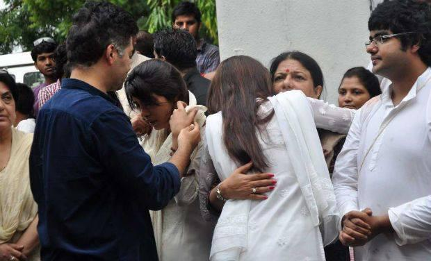 Karan Johar Offers His Condolences To Bollywood Actress Priyanka Chopra Whose Father Ashok Chopra