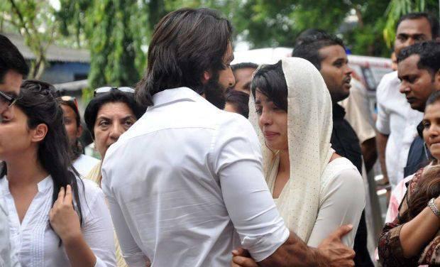 Ranveer Singh Consoles Priyanka Chopra At Her Father's Last Rites