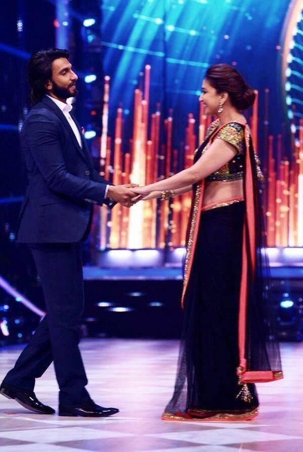 Ranveer And Madhuri Performed On The Sets Of Jhalak Dikhla Jaa Season 6 During The Promotion Of Lootera