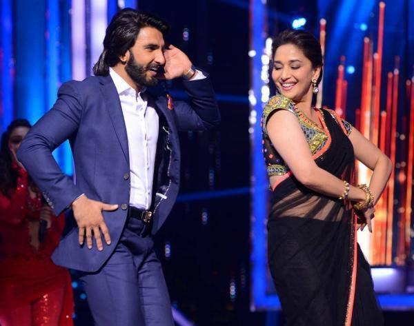 Ranveer Does A Sawaar Loon Number From His Film Lootera With Madhuri On The Sets Of Jhalak Dikhla Jaa Season 6