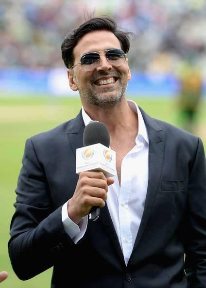 Akshay Kumar On Field To Promote His Upcoming Film Once Upon A Time in Mumbai Again