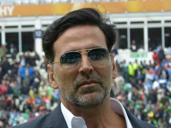 Akshay Kumar At ICC Champions Trophy India Vs Pakistan Match