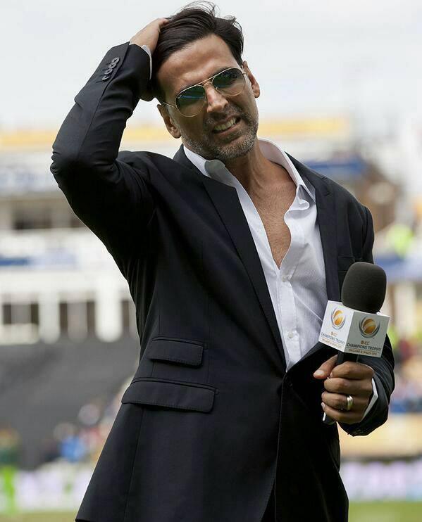 Akshay Kumar At The ICC Champions Trophy India Vs Pakistan Match