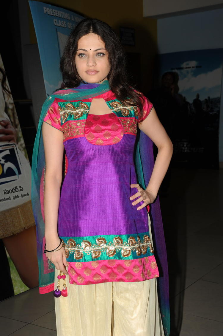 Sneha Ullal Charming Face Look At Action 3D Movie Premiere Show