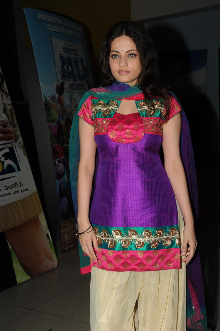 Sneha Ullal Gorgeous Look At Action 3D Movie Premiere Show