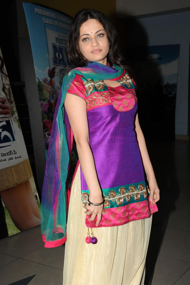Sneha Ullal Sexy Look At Action 3D Movie Premiere Show