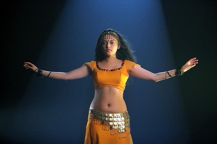 Sneha Ullal Sexy Look Dance Still From Action 3D Movie