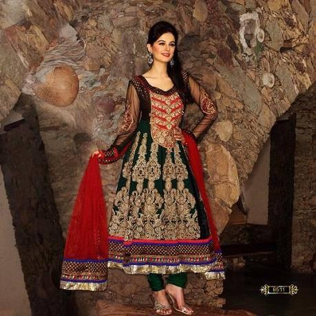 Evelyn Sharma Looking Awesome In This Photo Shoot