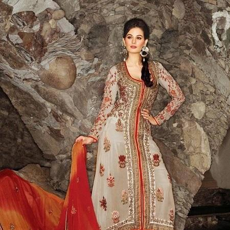 Evelyn Sharma Strikes A Pose For An Indian Designer Wear