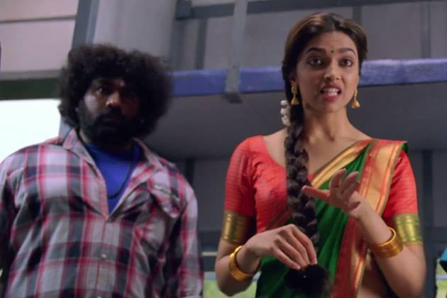 Deepika Padukone A Still From Chennai Express Movie
