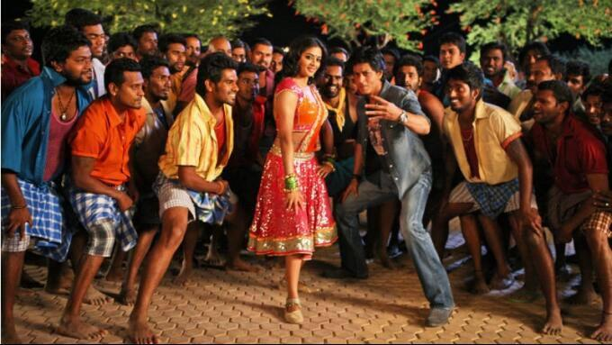 Priyamani And SRK Rocking Dance Still From Chennai Express Movie