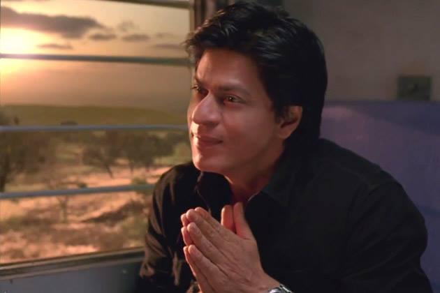 Shahrukh Khan Greets Look Still From Chennai Express Movie