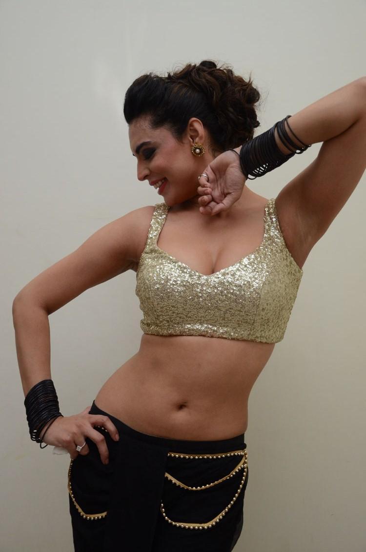Shweta Bhardwaj Hot Dance Pose At Adda Movie Audio Release Function