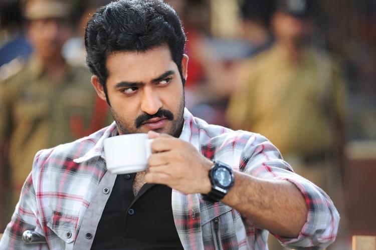 Jr. NTR Angry Look Posed With A Cup Still From Ramaiya Vastavaiya Movie