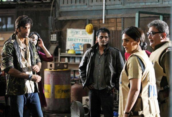Ranbir,Rishi And Neetu Acting Scene On The Sets Of Besharam