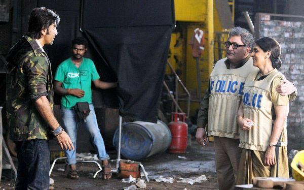 Ranbir,Rishi And Neetu Nice Look On The Sets Of Besharam