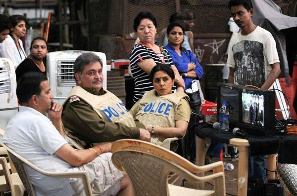 Rishi And Neetu Cool Look On The Sets Of Besharam