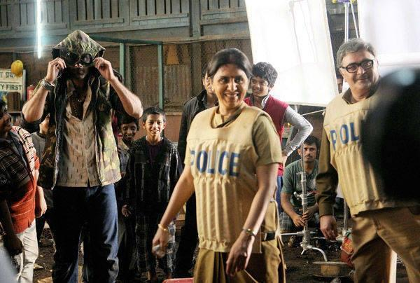 Rishi And Neetu Smiling Look On The Sets Of Besharam