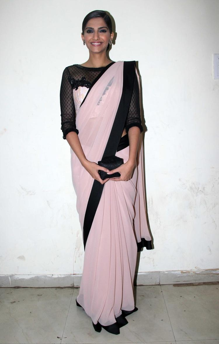 Sonam Look Simple And Elegant In A Peach And Black Saree Posed On The Sets Of India's Dancing Superstars