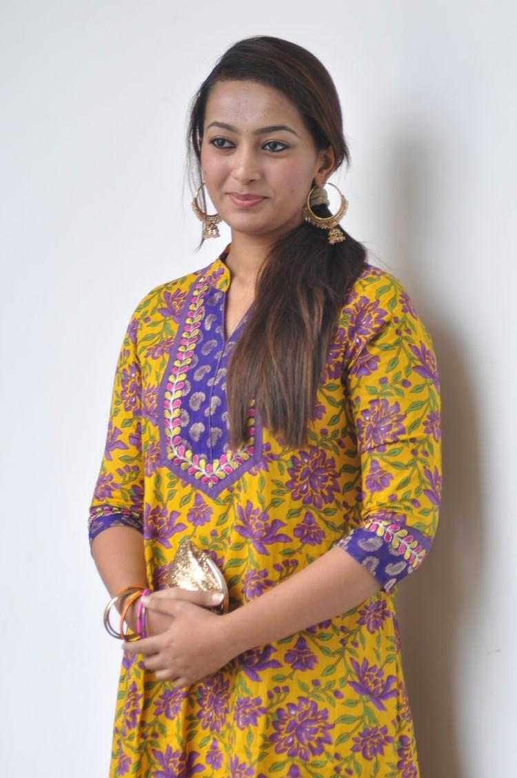 Esther Spotted At 1000 Abaddalu Press Meet And Pose For Photo Shoot