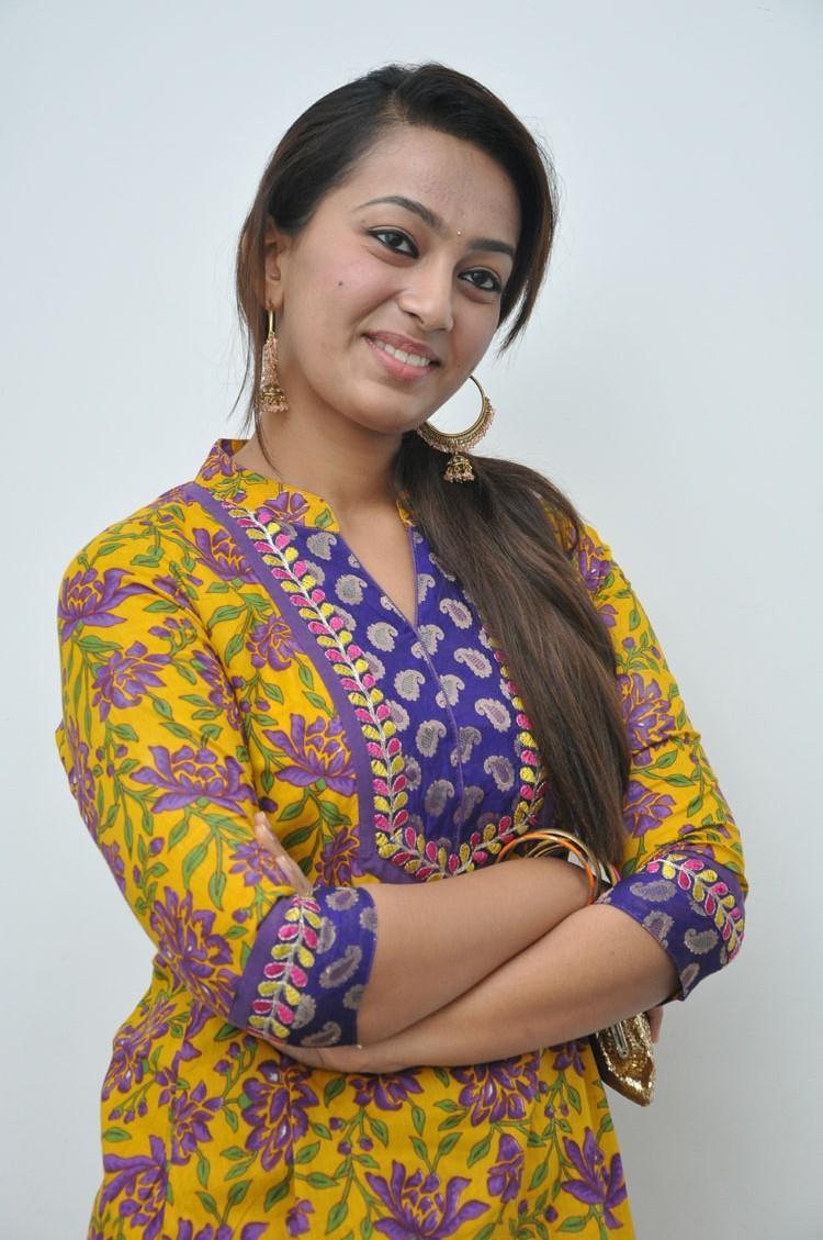 New Actress Esther Nice Photo At 1000 Abaddalu Press Meet