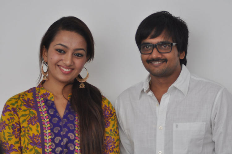 Sairam And Ester Nice Pose During The Press Meet Event Of 1000 Abaddalu