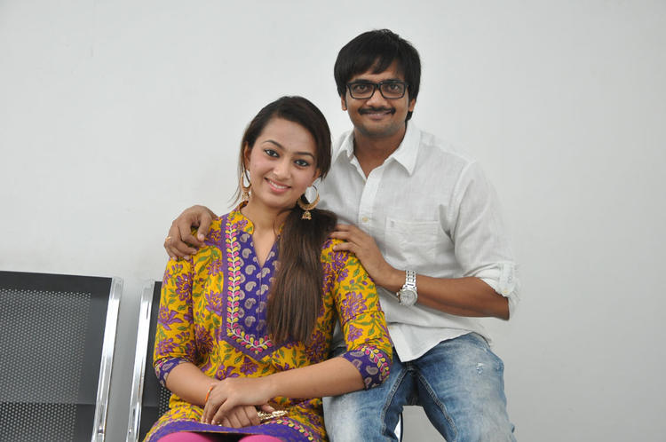 Sairam And Ester Pose During The Press Meet Event Of 1000 Abaddalu