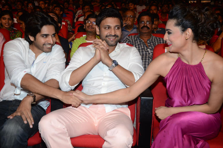 Sushanth And Swetha Shake Hand Still During The Event Of Adda Movie Audio Launch