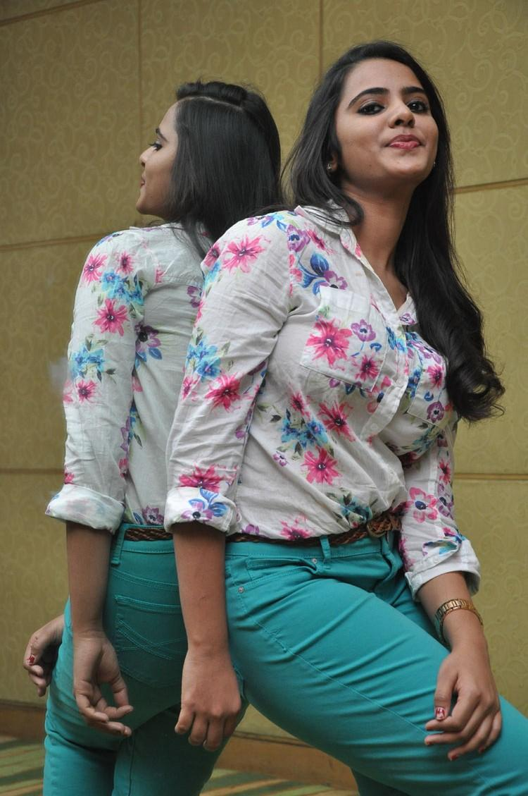 Manasa Strikes A Pose For Camera At Romance Movie Press Meet