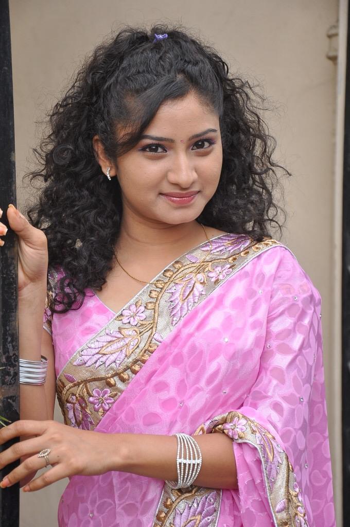 Vishnu Priya In Pink Saree Cute Radiant Look At Prayaas Style Affair Life Style Exhibition Launch Event